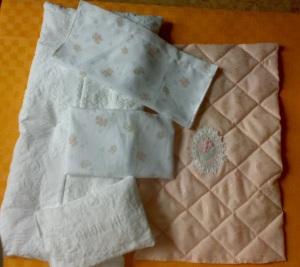 Materasso, cuscino, lenzuola, federa, trapunta per culla BabyAmore